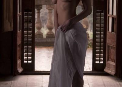 Sesión de desnudo con la modelo Irene Palazón realizada en el Palacio Celeste