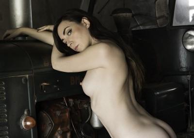 Sesión de desnudo con la modelo Cheer Suicide en el La Masia Studio